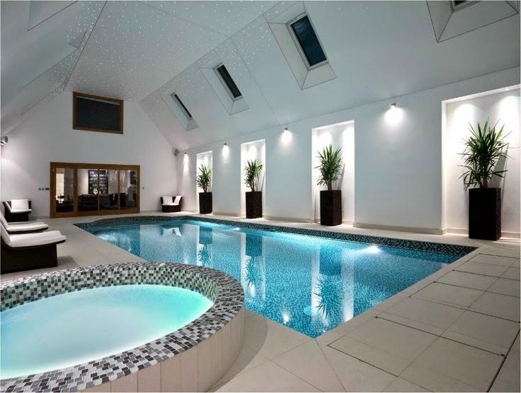 piscina-interior-moderna